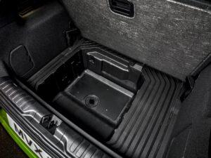 Ford MegaBox ist vollständig mit Kunststoff ausgekleidet und besitzt ein Ablaufventil.